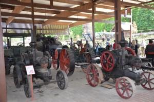 Old tractors_web